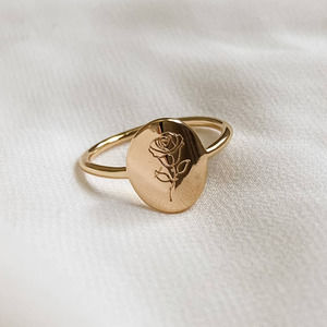 Gold Oval Single Rose Signet Ring